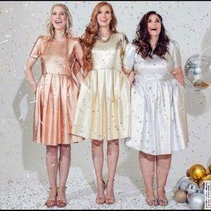 🌟New!🌟 LulaRoe • Amelia Dress • Rose Gold